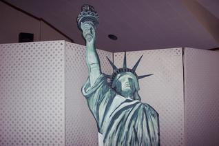 party props decorations new york theme statue of liberty props and scenery special event decore themed events themes